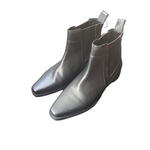 Zara Leather Chelsea Flat Black Boot Size 6.5/ 37